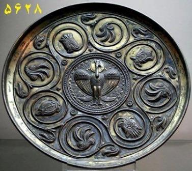 عکس بشقاب نقره طلا کاری شده از هنر ساسانی