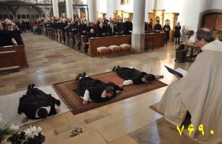 عکس یک مراسم دینی در اروپای امروزه