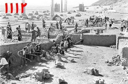 تاریخی حفاری تخت جمشید